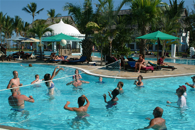 Team building kenya team building in kenya team - Team building swimming pool games ...